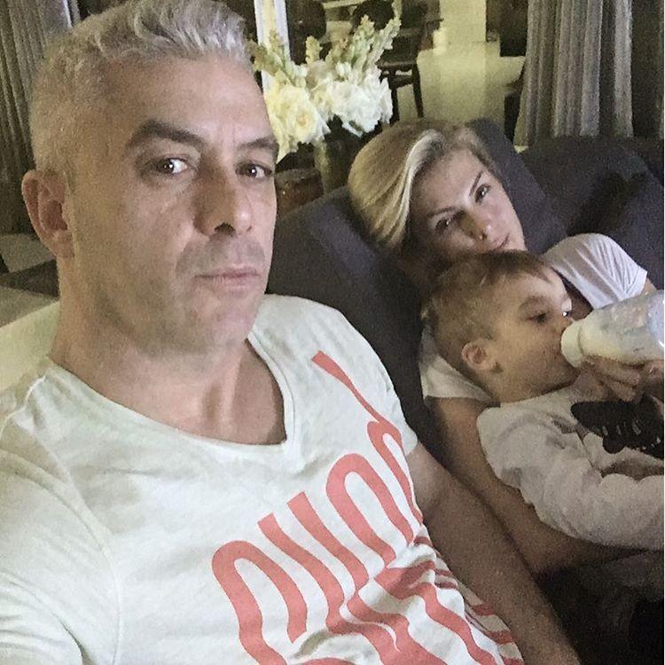 Ana Hickmann com a família em registro do Instagram do marido Alexandre (Foto: Reprodução/Instagram)