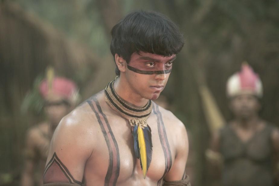 Piatã passa por ritual e torna-se índio