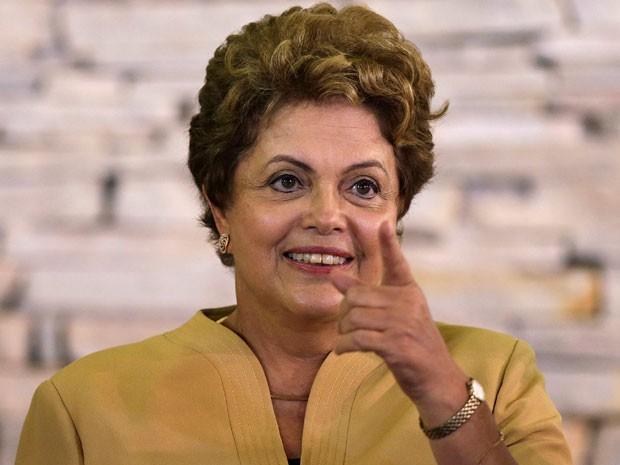 A presidente Dilma Rousseff durante reunião ministerial na Granja do Torto