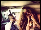 'Ela me ama, estou perdoado', diz Chris Brown sobre Rihanna a jornal