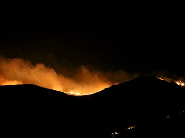 Incêndio atinge vegetação de Ibicoara, na Chapada Diamantina (Foto: Tayne Luz Casca/Jornal da Chapada)