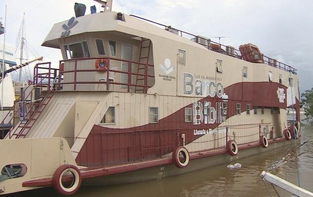 População amapaense aproveita oportunidade para visitar o Barco da Bília (Foto: Bom Dia Amazônia)