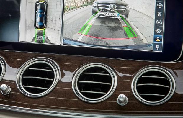 Todos os modelos das classe E da Mercedes-Benz possuem essa tecnologia que mantém a qualidade do ar que circula no interior do carro (Foto: Divulgação)
