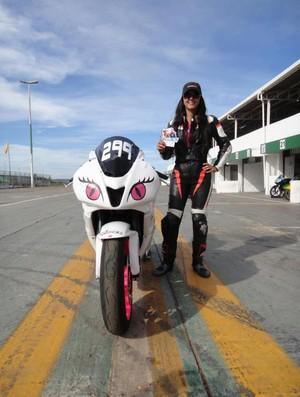 piloto de motovelocidade Vanessa Daya acidente brasília (Foto: Reprodução / Facebook)
