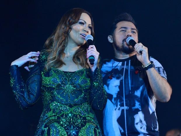 Solange Almeida e Xand em show em Salvador, na Bahia (Foto: André Muzell/ Brazil News)