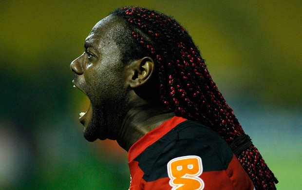 Vagner Love gol Flamengo (Foto: Fábio Castro / Ag. Estado)