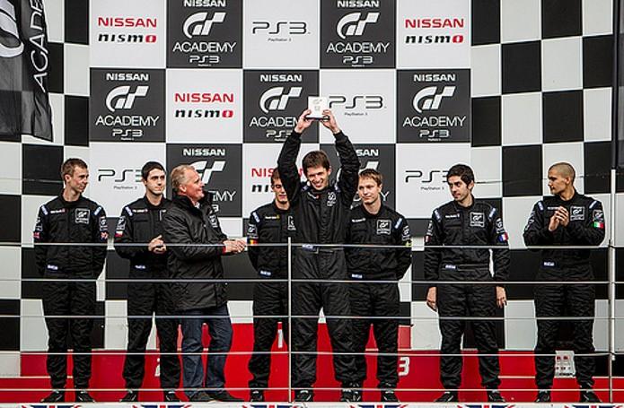Campeonato da Nissan Academy com os jogadores de Gran Turismo (Foto: Divulgação)