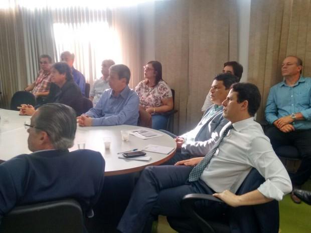 Ministro Bruno Araújo participou reunião na sede da CBTU, onde foi apresentado o projeto (Foto: Artur Ferraz/G1)