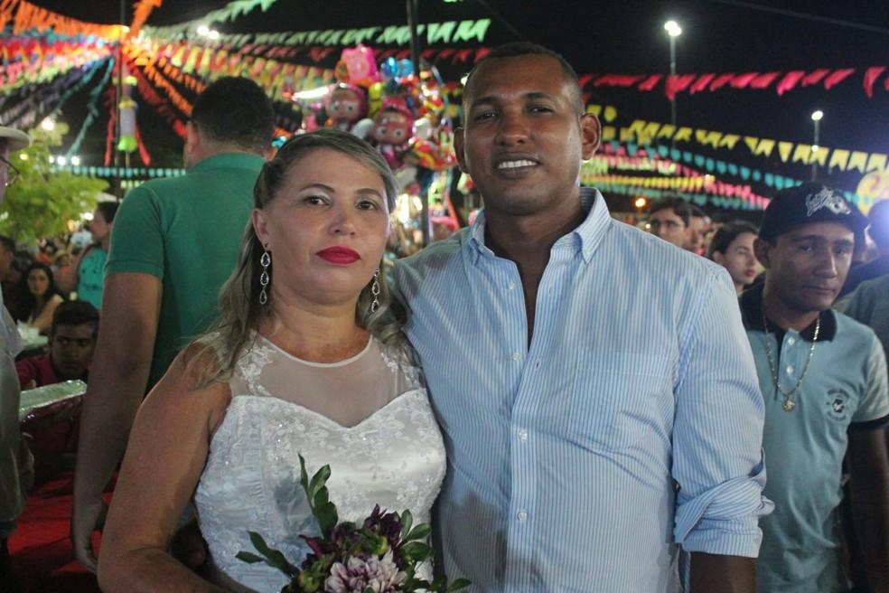 Diana Mara e Antônio Luciano já vivem juntos há três anos (Foto: Samantha Araújo/G1)