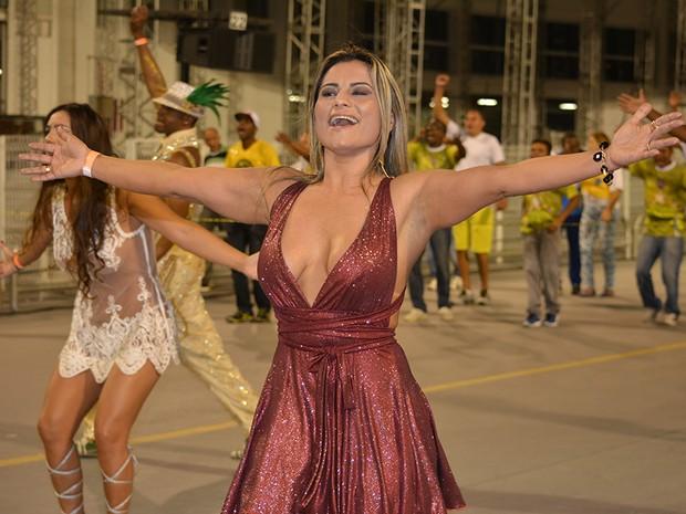 Márcia Imperator em ensaio da Unidos do Peruche no sambódromo do Anhembi, em São Paulo (Foto: Eduardo Graboski e Lipe Aramuni/ Mais Mídia/ Divulgação)