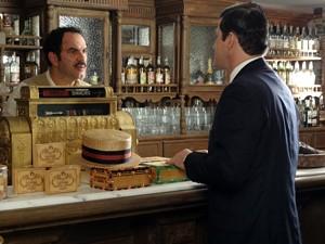 Tonico convence Nacib a fazer despedida de solteiro (Foto: Gabriela / TV Globo)
