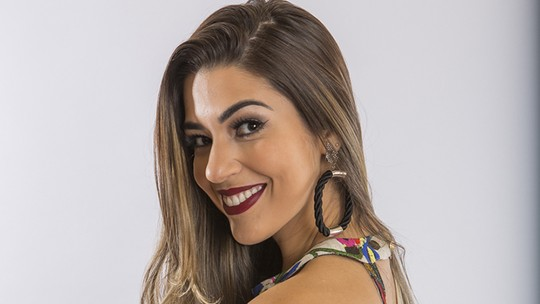 Amigo de Vivian desmente affair da sister com sertanejo casado: 'Amor de fã'