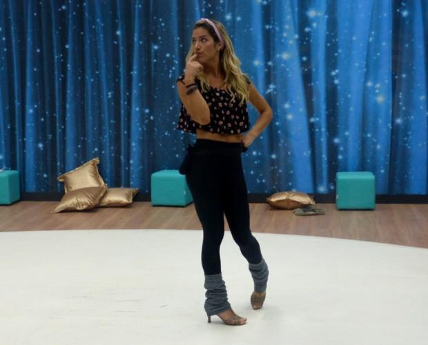 Giovanna conta pecado gastronômico que cometeu em festinha  (Foto: Domingão do Faustão/ TV Globo)