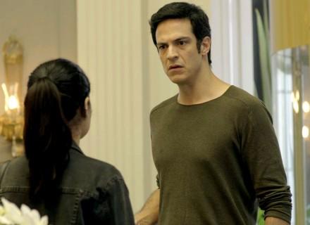 Teaser: Eric é intimado por causa de novas provas do caso Mirella