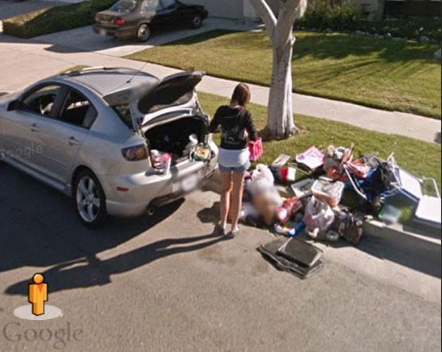Usuário alega que Street View flagrou momento em que a namorada de amigo era despejada de casa (Foto: Reprodução/Imgur/lpmark04)