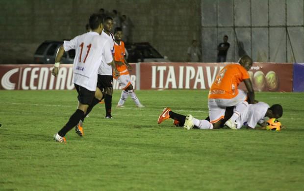 América-RN x Atlético-PR, no Estádio Barretão, em Ceará-Mirim (Foto: Alex Régis/VipComm)