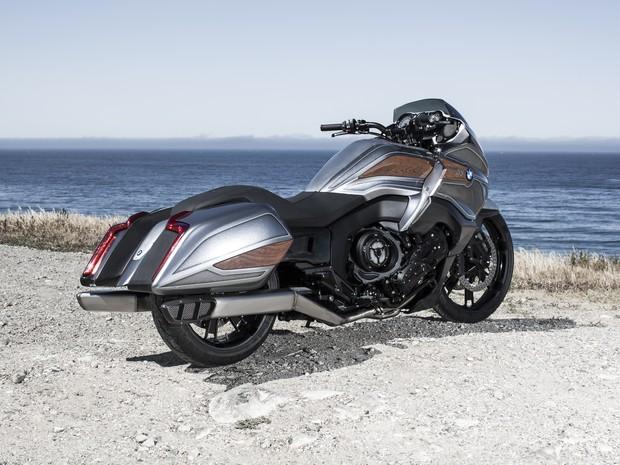 bmw revela novo conceito de moto estradeira  motor de  cilindros noticias em motos