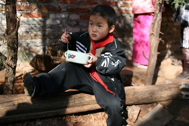 A lancheira ideal é um bom jeito de começar a educação alimentar de seu filho (Foto: David Hwang / Flickr)