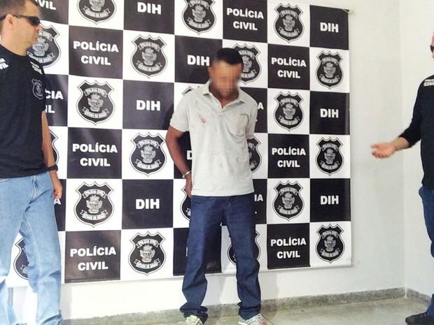 Homem é preso por matar norte-americano em Goiânia, Goiás (Foto: John William/ TV Anhanguera)