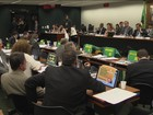 Debate na Comissão do Impeachment entra pela madrugada