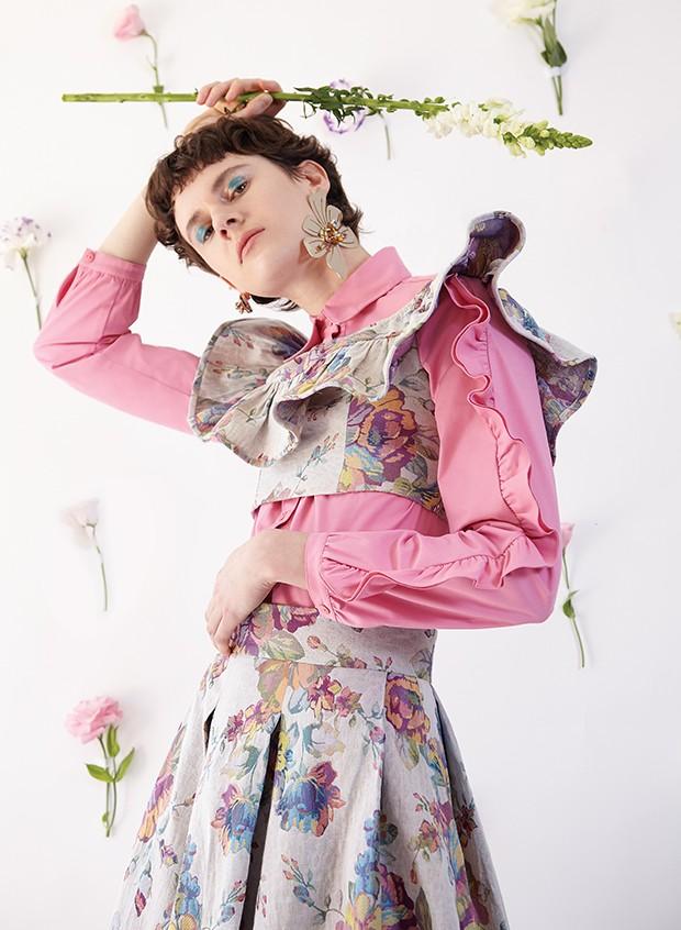 Floral + babados: combinação perfeita para os looks de primavera
