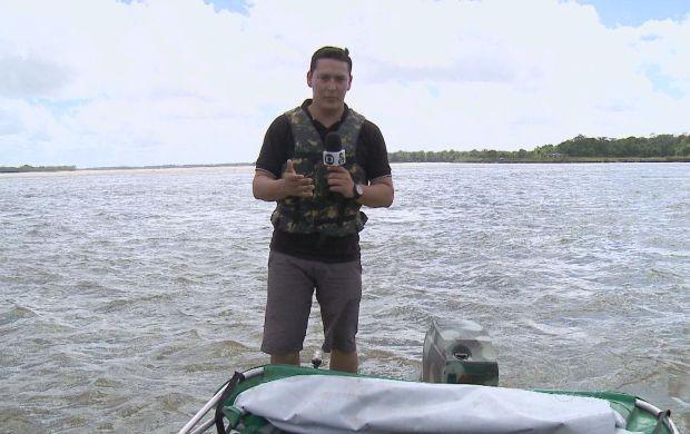 Jornalista Salgado Neto em reportagem especial sobre o fim da Pororoca (Foto: Bom Dia Amazônia)