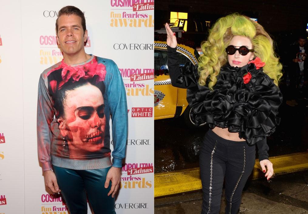 """Os dois eram amigos até que insultos começaram a surgir no Twitter. A cantora de 'Bad Romance' acusou o blogueiro de persegui-la, o que foi negado por ele. Perez, por sua vez, disse que estava recebendo ameaças de morte dos fãs de Gaga. O motivo da briga foi esclarecido durante entrevista da mãe monstro com o apresentador de rádio Howard Stern, na qual ela contou que Hilton desaprovou o álbum 'Born Ths Way', dizendo que era um fracasso. """"Era para ele ser meu amigo e me senti traída"""", comentou. (Foto: Getty Images)"""