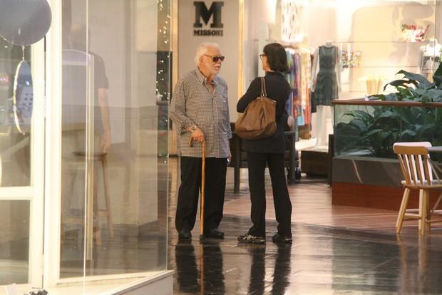 Manoel Carlos em shopping (Foto: Daniel Delmiro/AgNews)