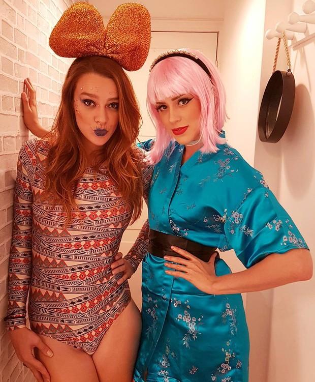 Sophia Abrahão e amiga fantasiadas (Foto: Reprodução / Instagram)
