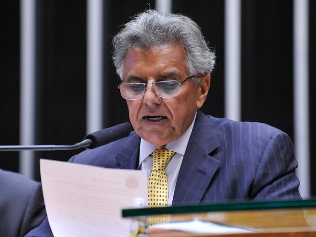 O 1ª º secretário da Câmara dos Deputados, Beto Mansur (PRB-SP), lê em Plenário o parecer da comissão especial que analisou o pedido de impeachment da presidente Dilma Rousseff  (Foto: Luis Macedo/Câmara dos Deputados)