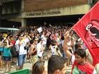 Com 2 meses de greve, professores e servidores fazem mobilizações na PB