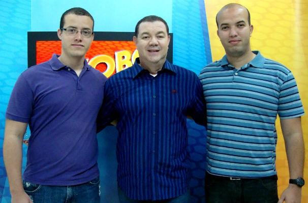 Madson Delano com os filhos Wendell (à esquerda) e Mac (à direita) (Foto: Divulgação/TV Gazeta)