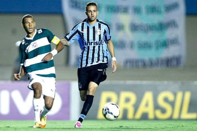 Luan, Goiás X Grêmio (Foto: Adalberto Marques / Agência estado)