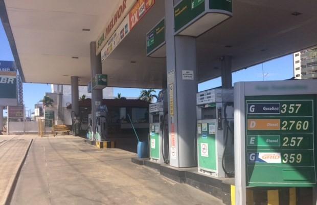 Posto reduziu o número de vendas desde o aumento dos preços dos combustíveis em Goiânia (Foto: Paula Resende/ G1)