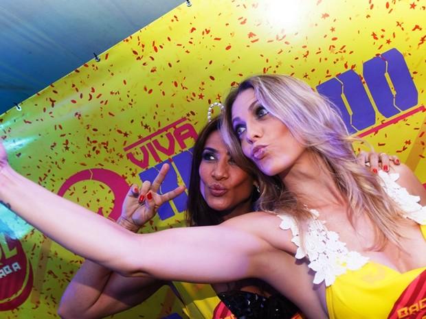 Scheila Carvalho e Sheila Mello em Joaçaba (Foto: Bruno Cesar/ Divulgação)
