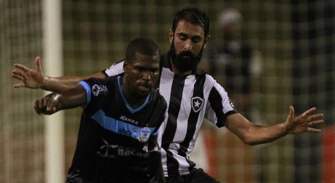 Marquinho e renan fonseca, macaé x botafogo (Foto: Vitor Silva/SSPress/Botafogo)