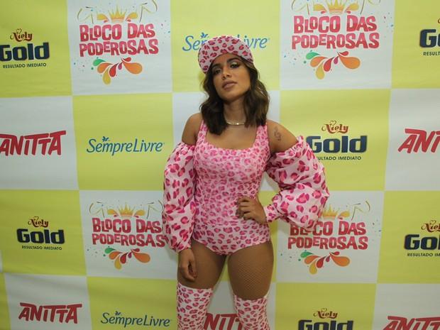 Anitta em bastidores de show no Rio (Foto: Marcello Sá Barretto/ Ag. News)