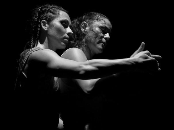 Aula prática com ensaio dos alunos de dança da UFRJ (Foto: Isabelle Saint Martin)