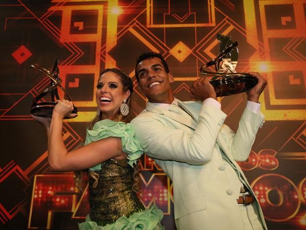 Marcello e Raquel vibram com a vitória! (Foto: Carol Caminha/Gshow)