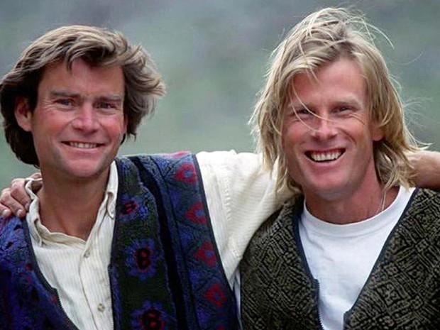 Imagem sem data mostra os alpinistas americanos Alex Lowe e Conrad Anker (Foto: Chris Noble/noblefoto.com via AP)