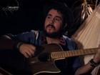 Suricato 'cai na rede' em versão acústica de 'Um tanto'