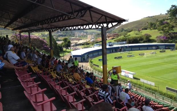 Estádio Municipal de Juiz de Fora onde o Tupi enfrenta o Uberaba Sport (Foto: Camila Saenz / GLOBOESPORTE.COM)