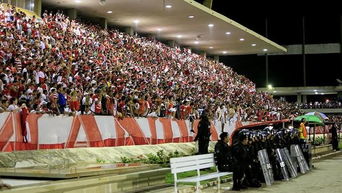 Torcida do CRB compareceu em bom número ao Rei Pelé  (Foto: Ailton Cruz/ Gazeta de Alagoas)