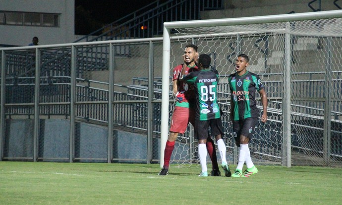 Manaus e Penarol Campeonato Amazonense (Foto: Gabriel Mansur)