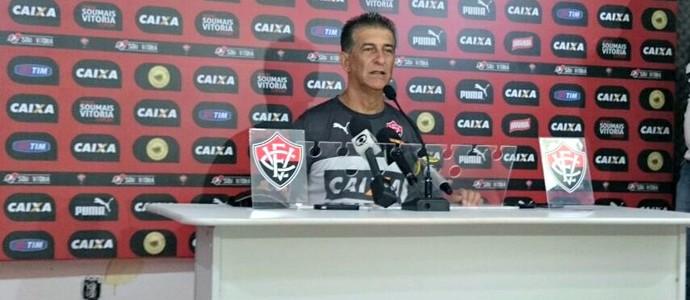 Técnico do Vitória, Ricardo Drubscky (Foto: Eric Luis Carvalho)