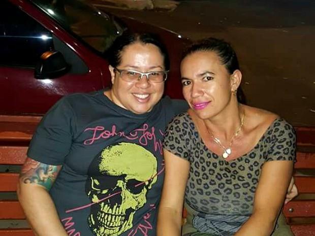 Ana Paula (à esquerda) morreu após dar entrada em unidade de saúde (Foto: Divulgação/Arquivo Pessoal)