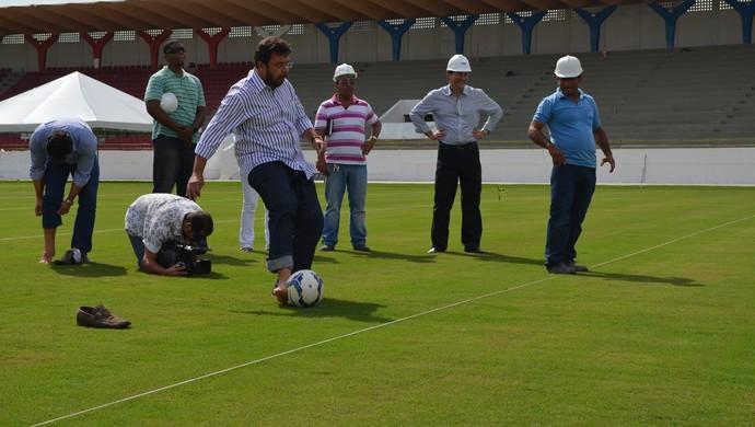 Novo Batistão teve pontapé inicial para receber a Grécia (Foto: Felipe Martins/GloboEsporte.com/SE)