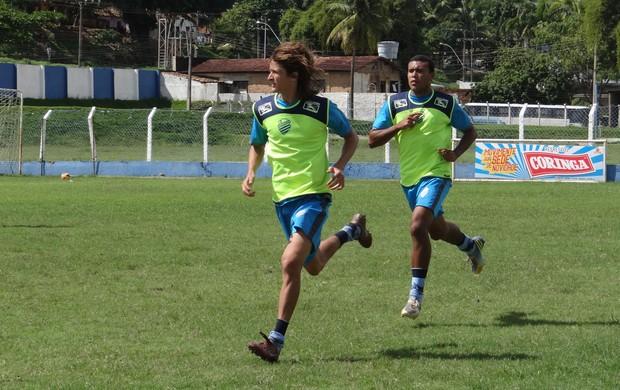 Acácio e Alves, jogadores da base do CSA (Foto: Caio Lorena / Globoesporte.com)