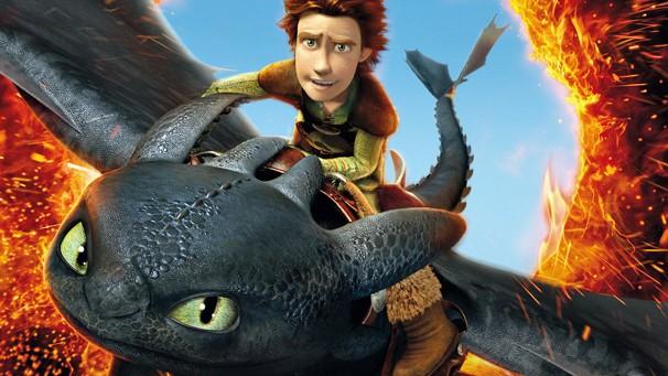 Soluço, em vez de matar o dragão, cria uma amizade que vai mudar todo o comportamento da aldeia (Foto: Divulgação])