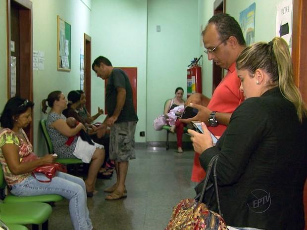 Postos de Saúde estão sem vacina antirrábica na região (Foto: Reprodução EPTV)